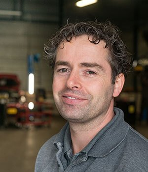 Automonteur Hendrik van Mook